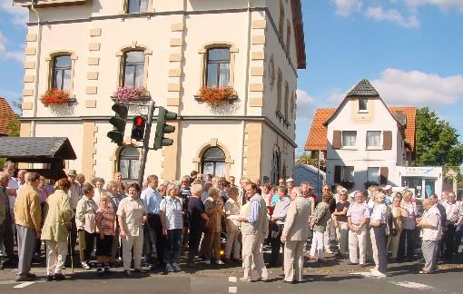 Vorplatz war in der Vergangenheit schon Treffpunkt für den Ortsrundgang (Foto: Wilfried J. Klein)